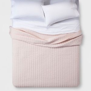 THRESHOLD pink quilt KING new